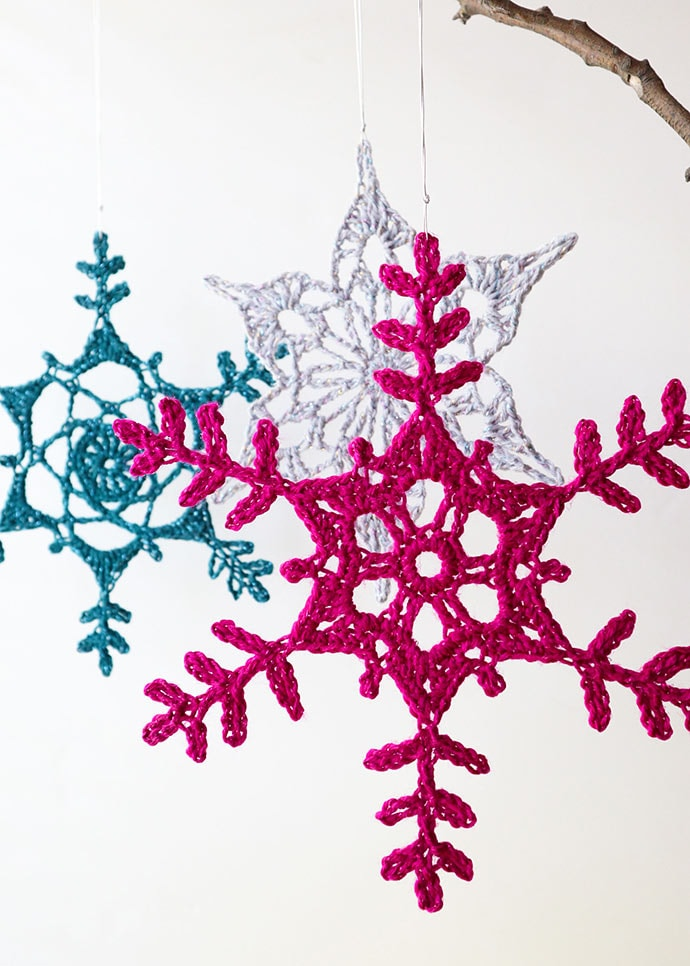 How to make a giant crochet snowflake