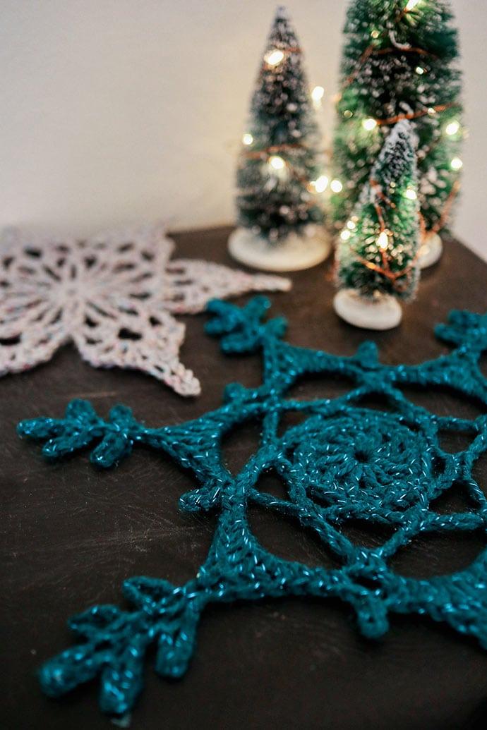 crochet snowflake placemat