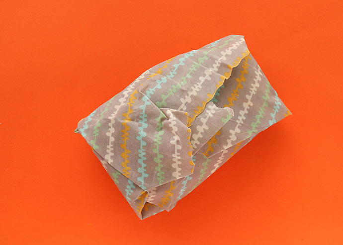 How to use beeswax wraps for bread wrapping