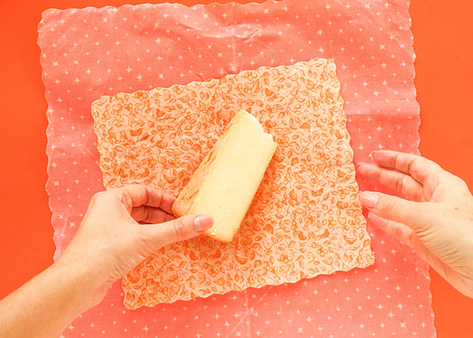 How to wrap cheese in beeswax wraps