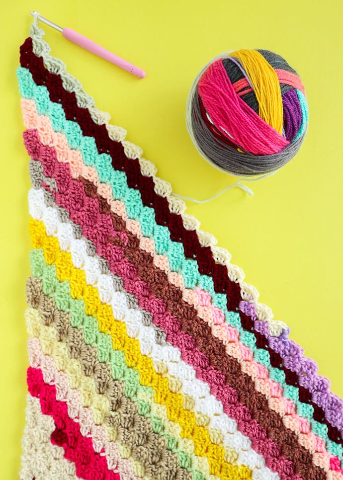 Scrap yarn crochet blanket from magic yarn ball