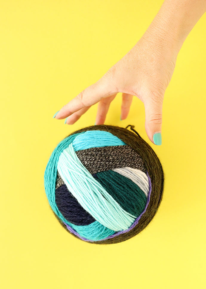 Magic Yarn Ball - how to make a Big ball of yarn