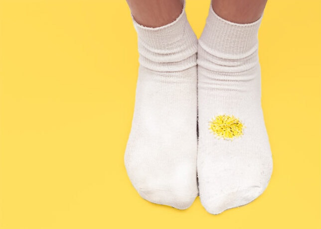 How to darn a sock with holes
