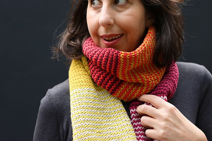 Striped knitted scarf pattern
