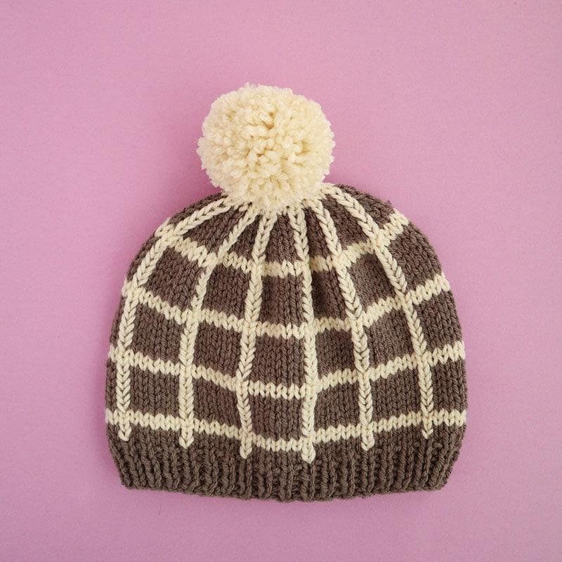 Beanie knitting pattern with pom pom