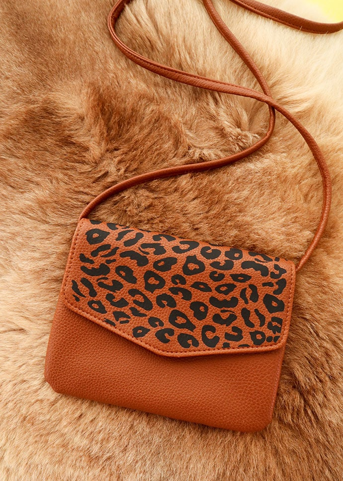 leopard print bag makeover DIY - brown handbag