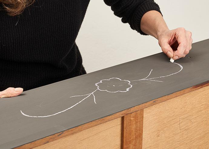Draw on faux bone inlay design