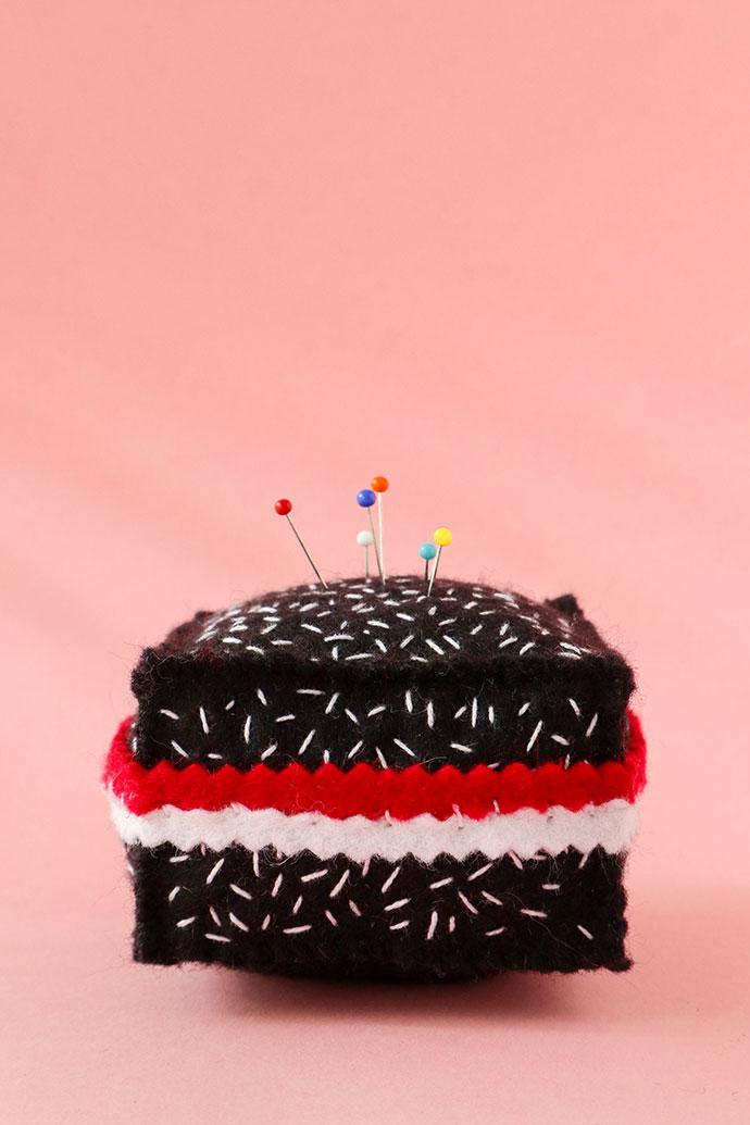 Felt cake pincushion