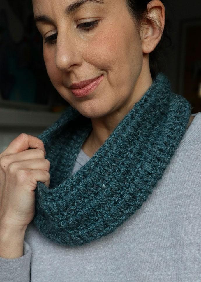 free crochet pattern puff stitch cowl