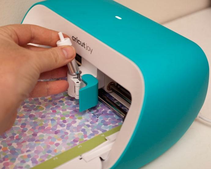 Loading cutting blade in Cricut Joy machine