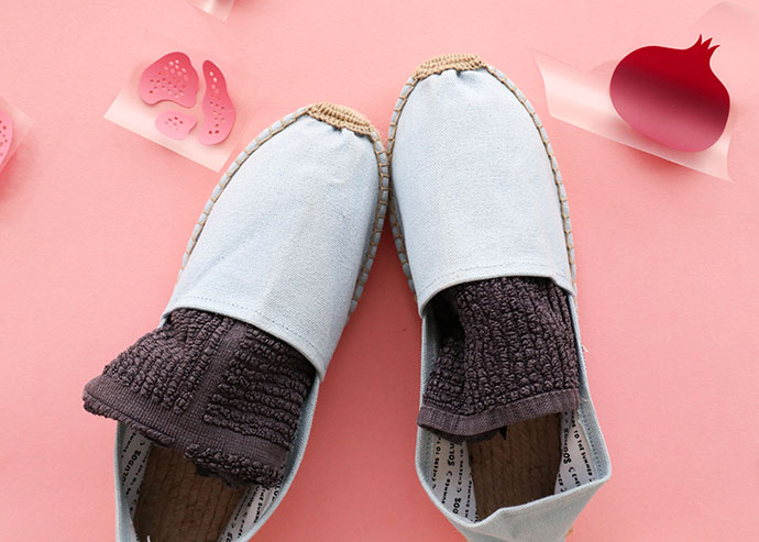 Iron on Vinyl Shoe makeover - pomegranate espadrilles