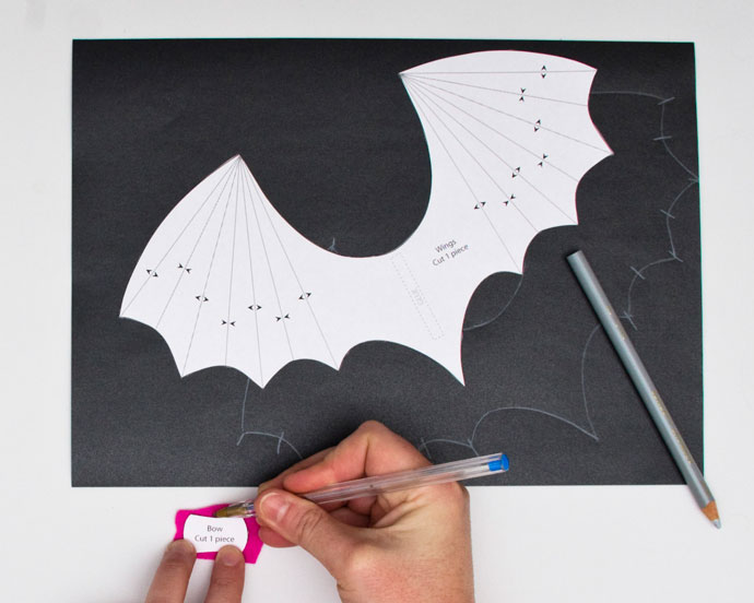 Halloween Craft Paper Roll Bat - My Poppet Makes