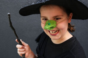 Kids Craft: Egg Carton Witch Nose