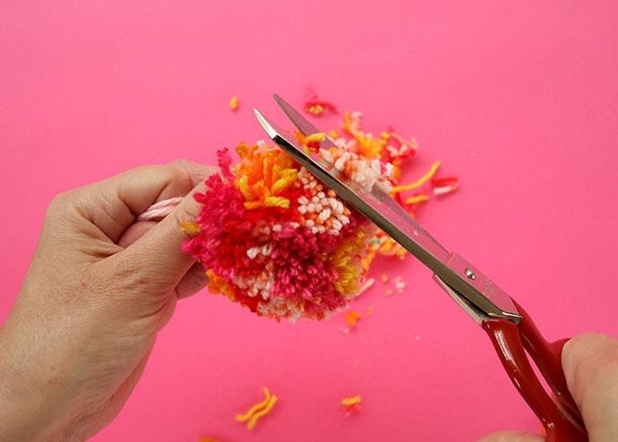 how to trim a pom pom