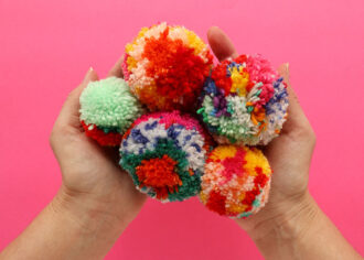 how to make scrap yarn pom poms