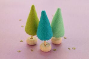 DIY mini felt christmas trees