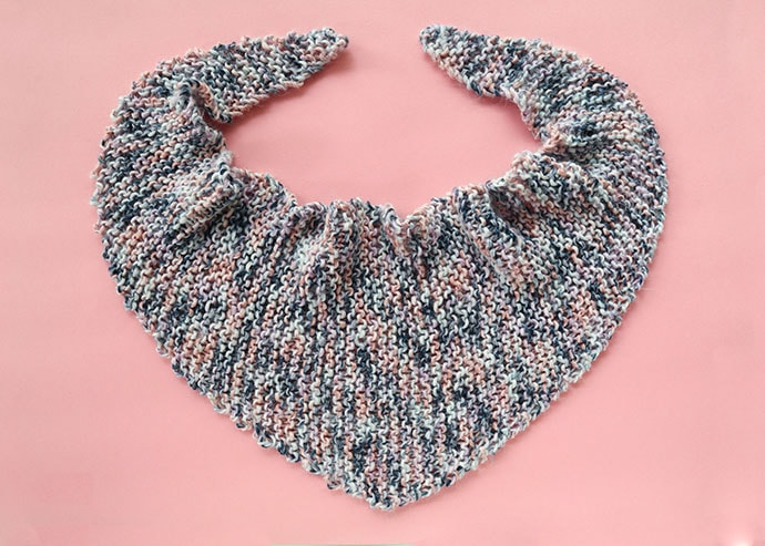 Knitted triangle shawl pattern