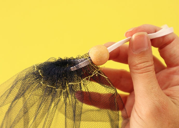 How to thread a drawstring cord