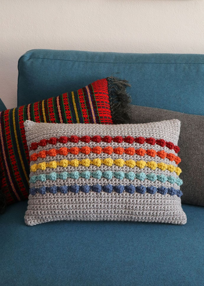 rainbow stripe free crochet cushion pattern