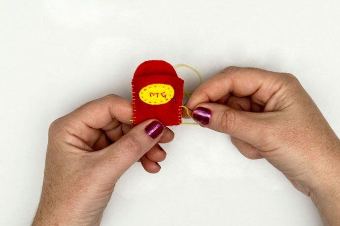 step for making felt french fries brooch