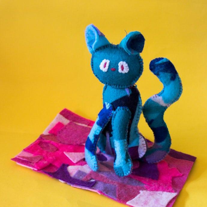 blue felt cat toy - cat sewing pattern