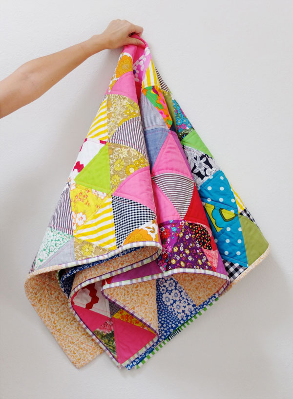 Triangle rainbow quilt