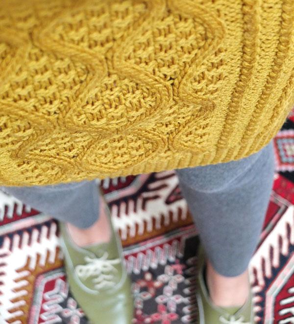 cable knit skirt closeup