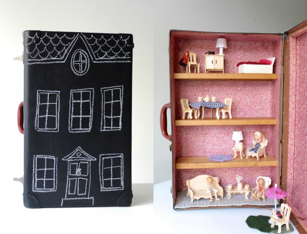 Fini maison de poupée de valise