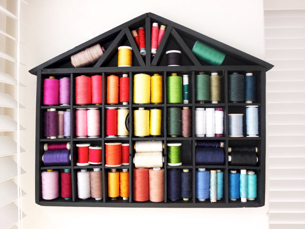 Sewing thread storage. Pretty! mypoppet.com.au & Easy Makeover: House Shelf Thread Storage | My Poppet Makes
