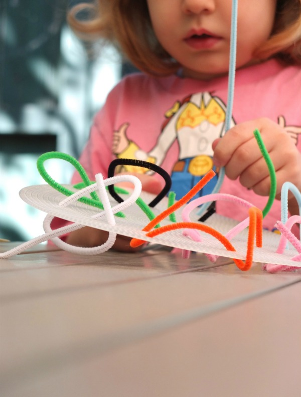 pipe cleaner weaving kids craft