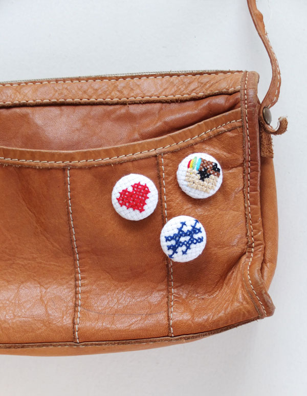 bag with buttons