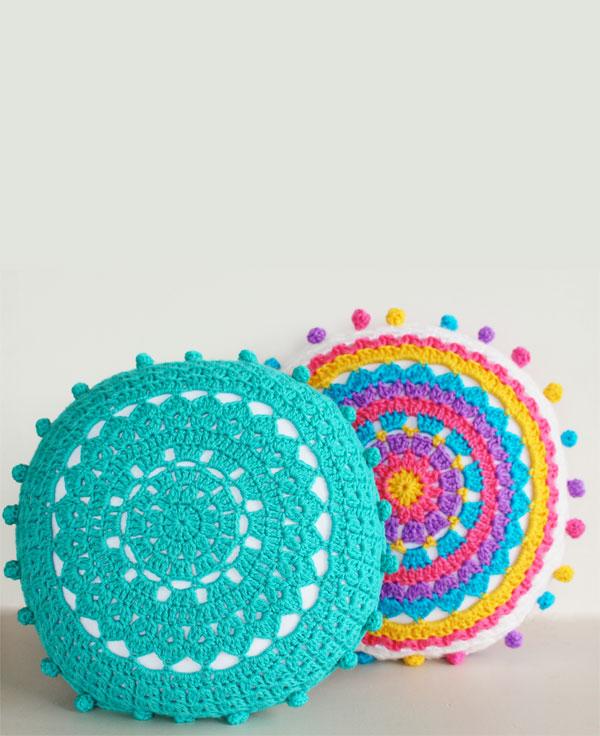 Cal cushion variation crochet
