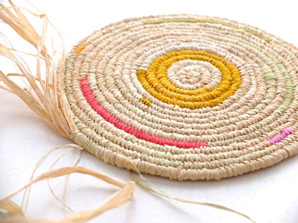 How to make a coiled raffia bowl diy tutorial | craftiosity.