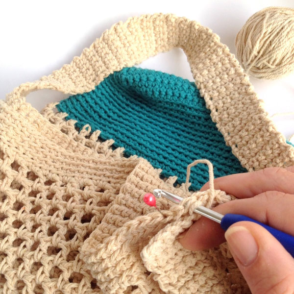 Crochet Net Bag Pattern Free : DIY Crochet Market Bag Pattern - My Poppet Makes