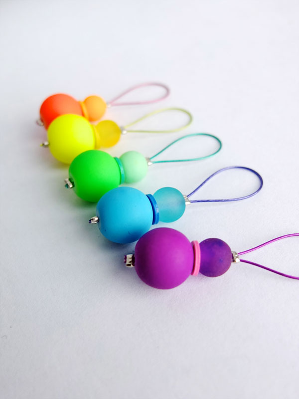 Using Stitch Markers In Knitting : DIY Rainbow Stitch Markers for Knitting - My Poppet Makes