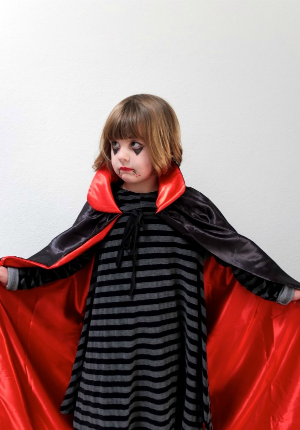 v&ire dracula costume mypoppet.com.au  sc 1 st  My Poppet & 4 Easy Last Minute Halloween Costume Ideas | My Poppet Makes